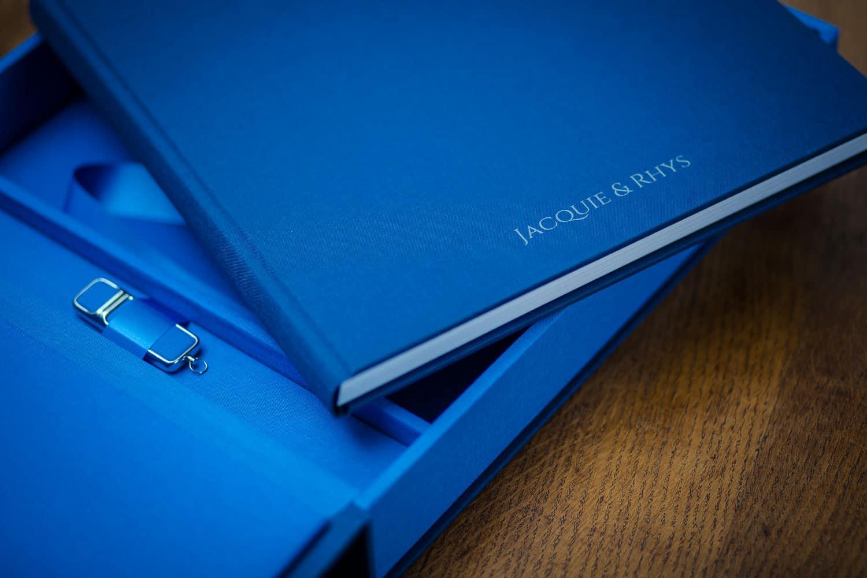 Wedding album in blue with USB