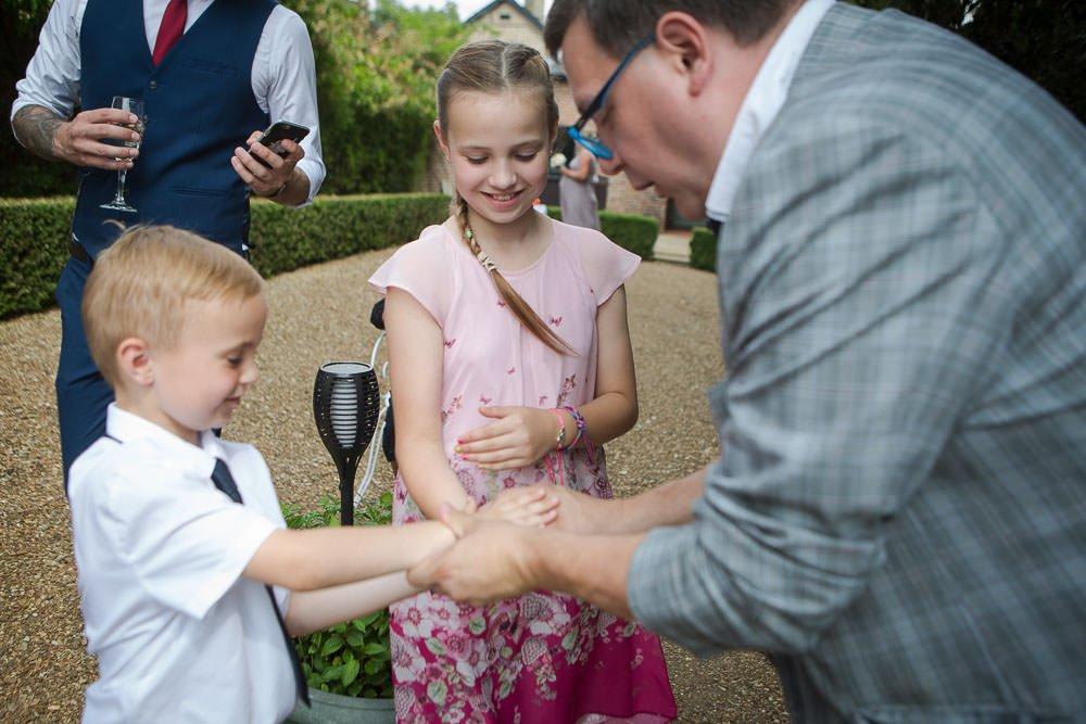 Wayne Goodman magician at a wedding in hock wold